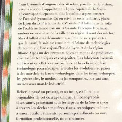 La Soie à Lyon, de la Grande Fabrique aux textiles du XXIème siècle Auteur: Bernard Tassinari Editions Lyonnaises d'art et d'histoire-boutique-foulard-soie-lyon