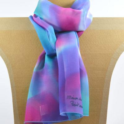 fadc4a48ad48 ... Foulard en mousseline de soie peint main Camaïeu bleu violet - maison  des canuts - lyon ...