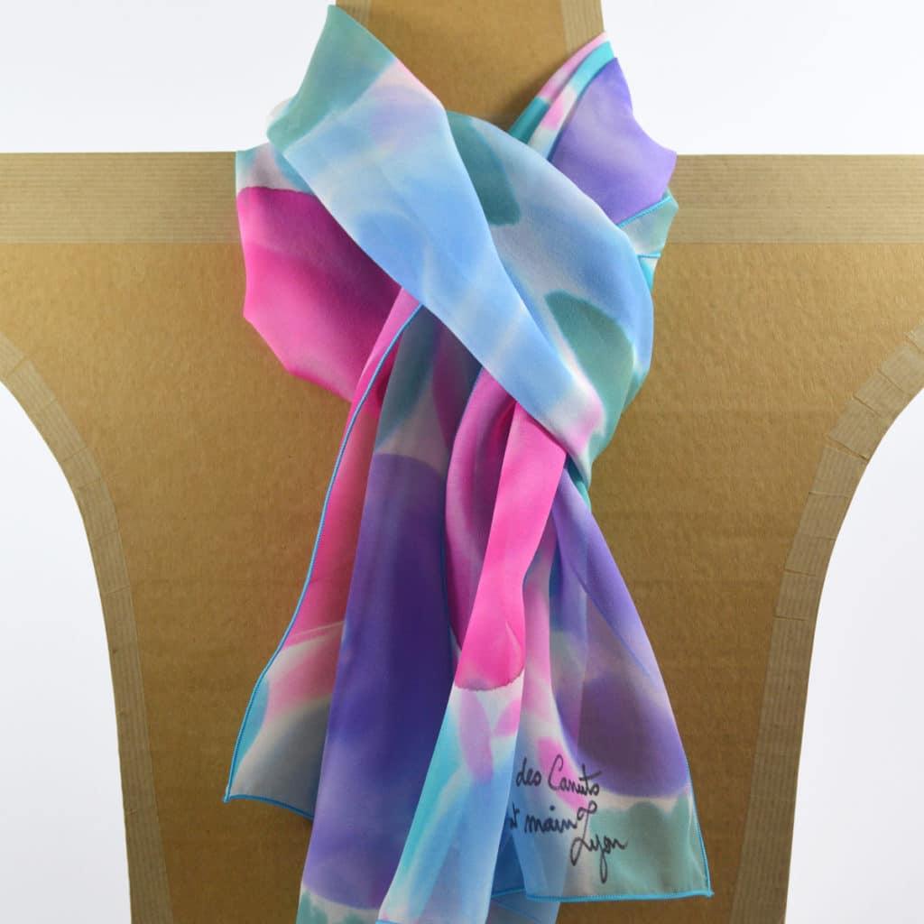 ea402c0f4430 Maison des Canuts • Foulard en mousseline de soie fleurs stylisées ...