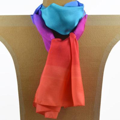 foulard-peint main-soie-degrade-orange-bleu_ maison des canuts - lyon - croix rousse - made in france - boutique et magasin de soie à lyon
