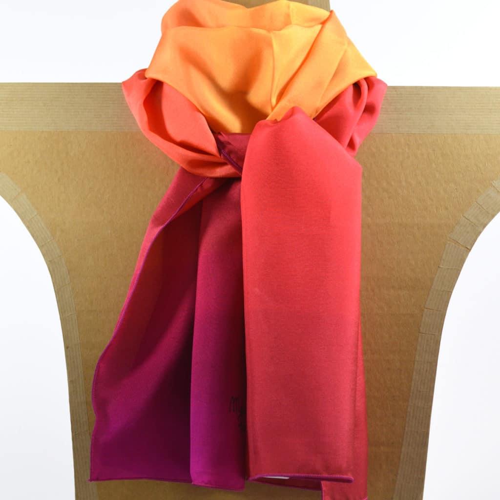 prix fou Vente Super remise Foulard en soie nuances de rouge orangé