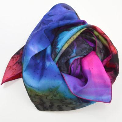 Foulard en soie à effet de « plumes » noir-bleu-rose - peint main - maison des canuts - lyon - croix rousse - made in france - boutique et magasin de soie à lyon