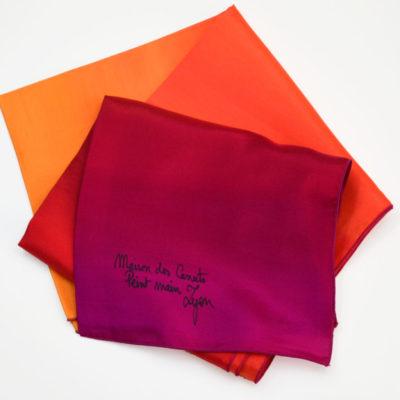 Foulard en soie nuances de rouge orangé - peint main - lyon - maison des canuts - croix rousse - made in france - boutique et magasin de soie à lyon